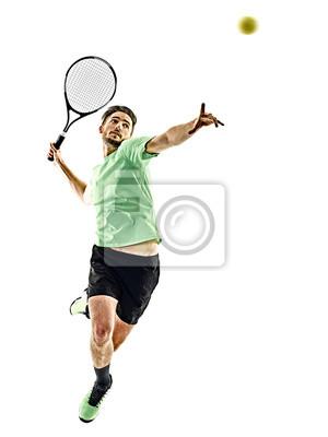 Jeden kaukaski mężczyzna gra w tenisa samodzielnie na białym tle