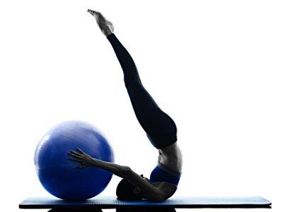 Naklejka kobieta pilates ball fitness ćwiczenia izolowane