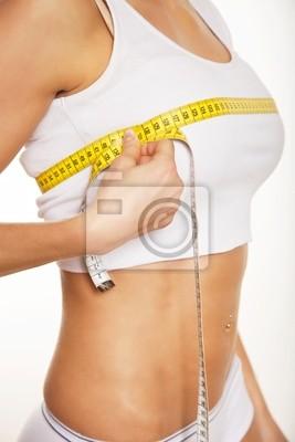 Kobieta pomiaru jej piersi
