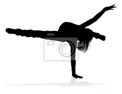 Kobieta taniec uliczny tancerz hip hop w sylwetce