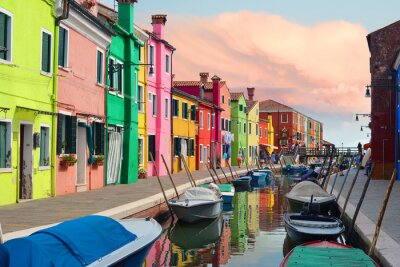 Naklejka Kolorowe domy w miejscowości Burano na zachodzie słońca