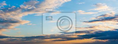 Kolorowy niebo przy zmierzchem w Alghero