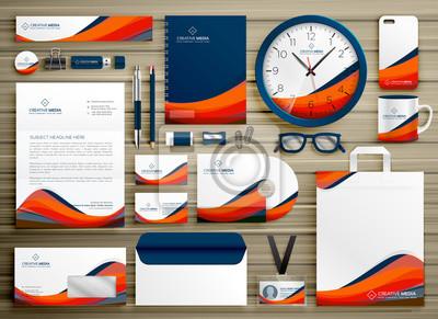 Korporacyjnych tożsamości szablonu projektu zestaw z pomarańczowym niebieskim kształcie faliste