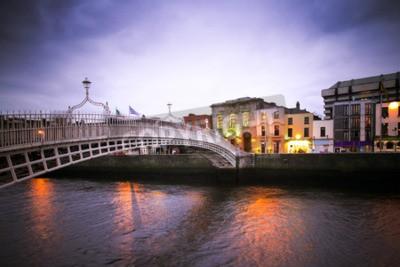 Naklejka Landmark Ha'penny Most na rzece Liffey w Dublinie
