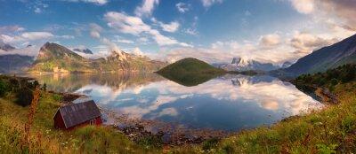Naklejka Latem słońca panorama Lofotach, Norwegia