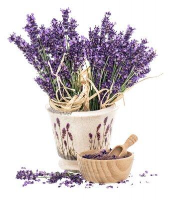 Naklejka Lavender kwiatów i drewniane zaprawy z sól do kąpieli