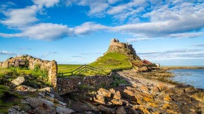 Naklejka Lindisfarne Zamek na wybrzeżu Northumberland, Anglia