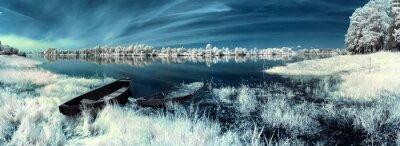 Naklejka łodzi na rzece