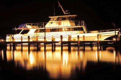 Naklejka Łodzi w nocy / łódź i refleksji w Jupiter na Florydzie