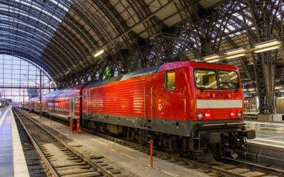 Naklejka Lokomotywy z pociągiem regionalnym w Frankfurt, Niemcy