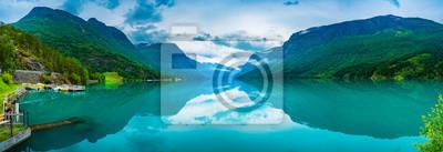 Naklejka lovatnet Jezioro Piękna przyroda Norwegii.