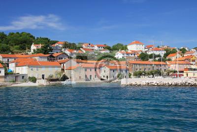 małe miasto portowe na wakacjach nad morzem