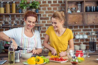 Matka i córka wraz gotowania