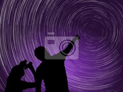 Naklejka Mężczyzna i dziecko obserwacji nocnego nieba. Startrails wokół Polaris gwiazdy i fioletowy Aurora. Ilustracja wektora.