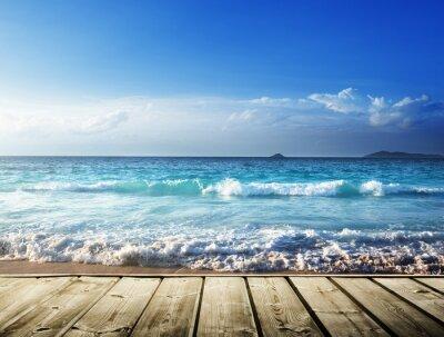 Naklejka morze i drewniane platformy
