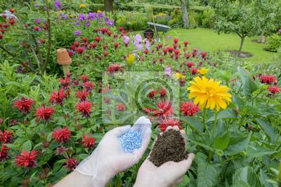 Naklejka Nawóz do ogrodu - linki niebiesko-ziarniste - prawy kompost