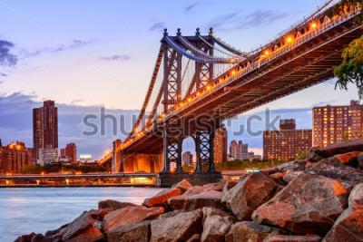 Naklejka New York City, USA at the Manhattan Bridge spanning the East River.