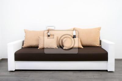 nowoczesne kanapie w białej ścianie
