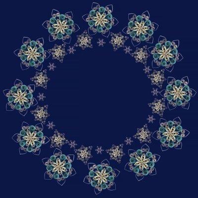 Okrągłe ramki lub wieniec wykonany z papieru czerpanego płatki śniegu w technice Quilling na ciemnym niebieskim tle. Może być stosowany jako Bożego Narodzenia i Nowego Roku, na tle kart, serwetki, pap