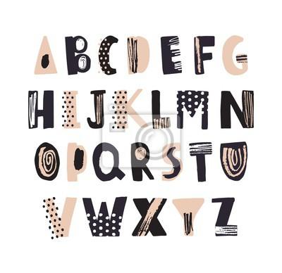Ostra łacińska chrzcielnica lub dekoracyjna ręka rysujący abecadło na białym tle. Twórczy teksturowane litery ułożone w kolejności alfabetycznej. Nowoczesny krój pisma z kropkami i literkami. Ilustrac