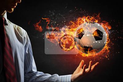 palenie piłka w ogniu. Różne środki przekazu