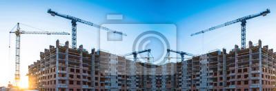 Naklejka Panorama budowa przy tłem niebieskie niebo