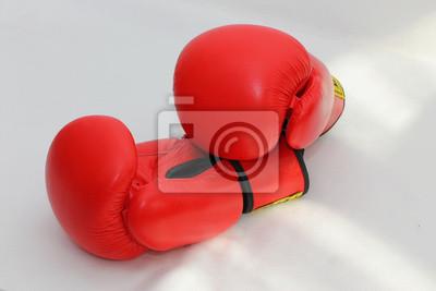 Para z czerwonym rękawice bokserskie