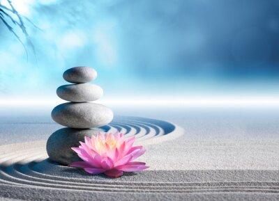 Naklejka piasku, lilia i spa kamienie w ogrodzie zen