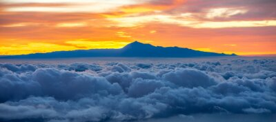 Naklejka Piękne Chmura z Teneryfa w tle na wschód słońca w Hiszpanii