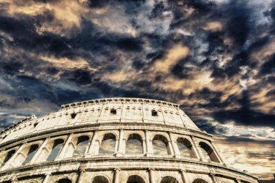 Naklejka Piękne niebo nad Koloseum w Rzymie