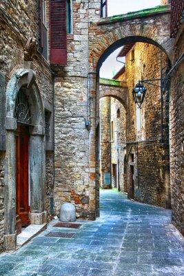 Naklejka piękne stare ulice włoskich miast średniowiecznych, Tody