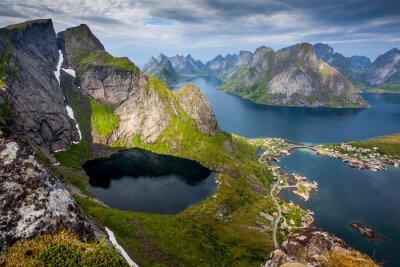 Naklejka Piękny krajobraz norweski - widok fiordów
