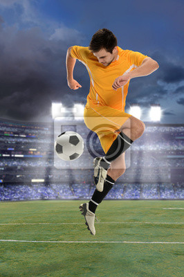 Piłkarz Performing Back Kick,