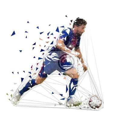 Piłkarz w ciemny niebieski jersey działa z piłką, streszczenie wektor low poly rysunek. Piłkarz kopie piłkę. Na białym tle geometrycznej ilustracja kolorowy, widok z boku