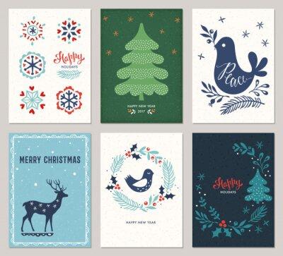 Pionowe Wesołych Świąt i Szczęśliwego Święta karty z drzewa nowego roku, jelenie, dekoracyjne płatki śniegu, pokojowego gołąb, ptak i wieniec na teksturę tła.