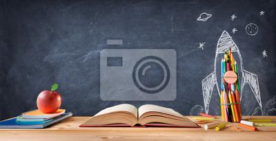 Naklejka Pojęcie Szkoły Start - Materiały Na Biurko I Rakieta Rysowane Na Tablicy