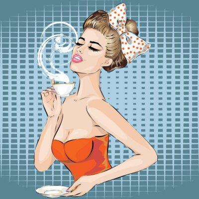 Naklejka Pop Art portret kobiety z poranną herbatę. Dziewczyna pozująca do zdjęć na plakatach