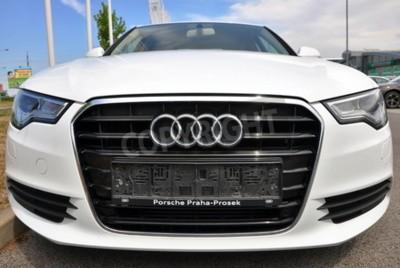 Naklejka PRAGA, CZECHY, 02/08/2015 - Brand new białe Audi A6 parki z przodu samochodu Store Audi