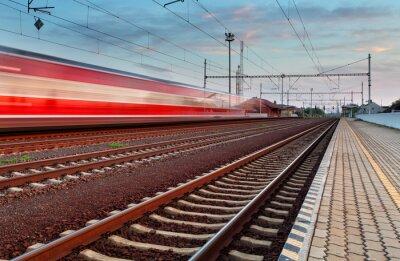 Naklejka Prędkość pociągu na stacji