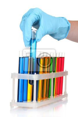 probówki i ręcznie w laboratorium samodzielnie na białym tle