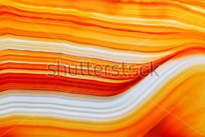 Naklejka Przekrój poprzeczny naturalny półprzezroczysty agat kryształu powierzchnia, Pomarańczowy abstrakcjonistyczny struktura plasterka kopaliny kamienia makro- zbliżenie