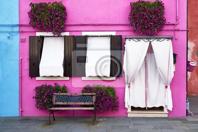 Przód różowy dom na wyspie Burano, Wenecja, Włochy