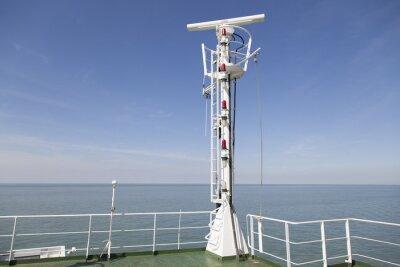 Naklejka Radar maszt na górnym pokładzie statku towarowego