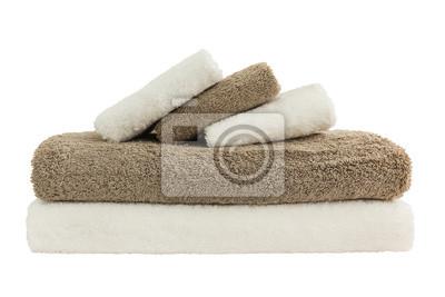 Ręczniki w stos wyizolowanych nad białym