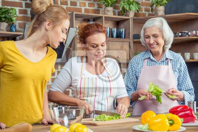Rodzina gotowania razem w kuchni