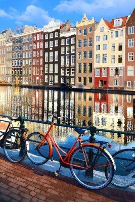 Naklejka Rowery wzdłuż kanałów z odbicia, Amsterdam, Holandia