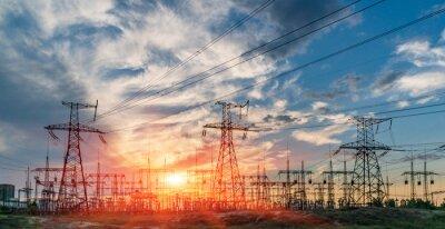 Naklejka rozdzielnia elektryczna z liniami energetycznymi i transformatorami