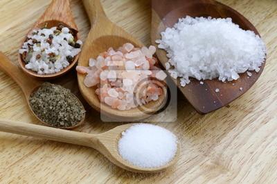 Naklejka różne rodzaje soli (różowy, morze, czarne i przyprawami)