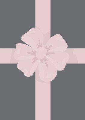 różowe pudełko z szarym dziobem wstążką