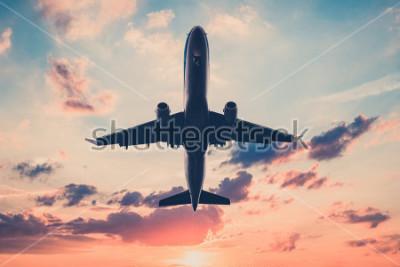 Naklejka samolot na zachodzie słońca niebo - samolot, odrzutowiec na tle malowniczego nieba